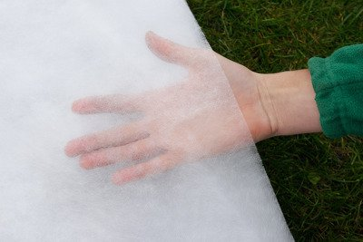 Agrowłóknina wiosenna biała 6,4x100m (21g) Wzmacniane Brzegi